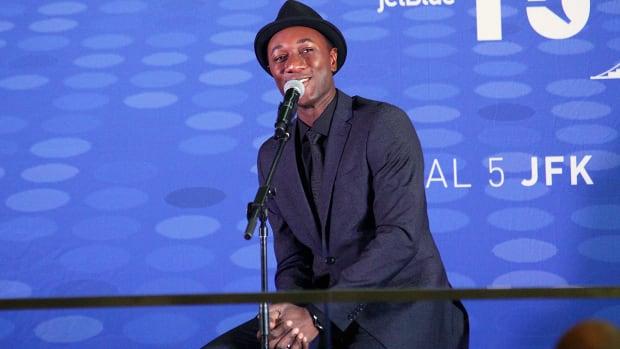 Aloe Blacc talks all-time great stadium anthems - Image