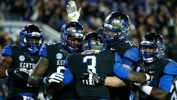 Kentucky football reinstates four suspended freshman