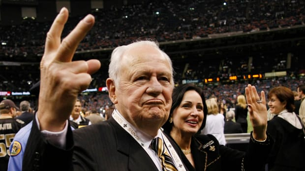 Life Comes Next Moment: Saints owner Tom Benson pledges $11 million to Pro Football Hall of Fame