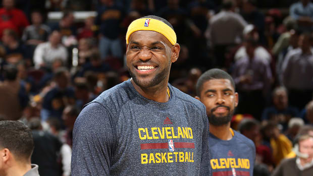 LeBron James leads NBA All-Star voting - image