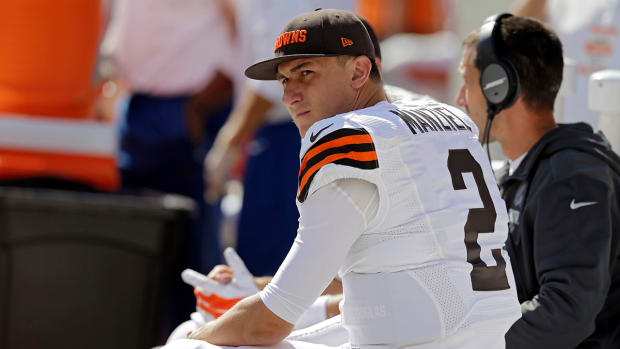 Johnny Manziel's girlfriend thinks the Browns should switch QBs IMAGE