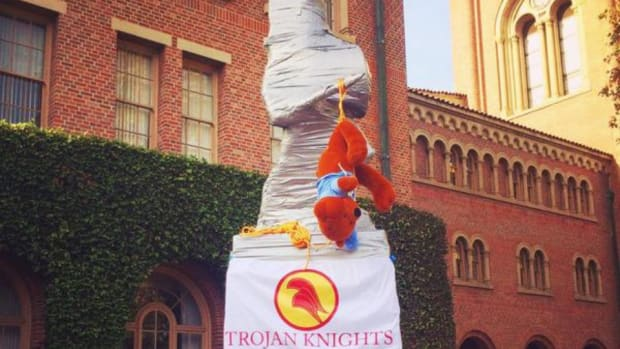 USC covers statues in duct tape to prevent UCLA graffiti