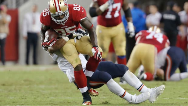 Vernon Davis will play Monday night against St. Louis