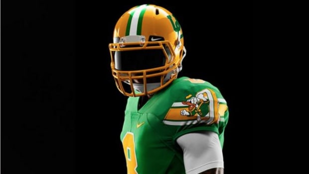 Oregon Ducks 'The Pick' Throwback uniforms