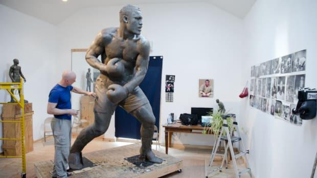 Philadelphia building new Joe Frazier statue