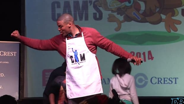 Cam Newton fed 800 underprivileged kids in Charlotte for Thanksgiving