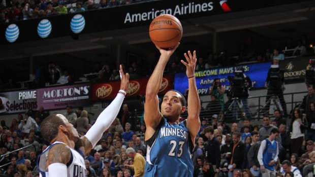 kevin-martin-fractured-wrist-out