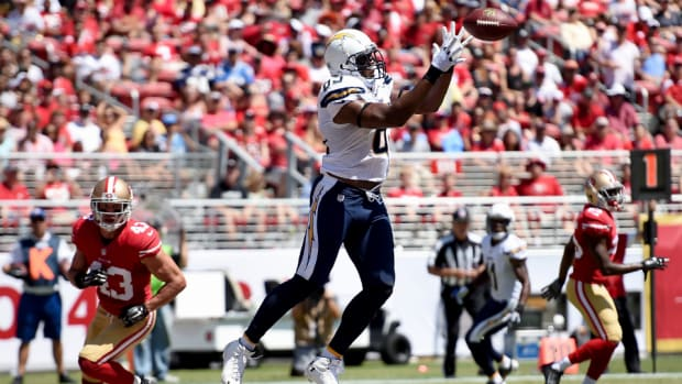 Chargers tight end Antonio Gates restructures contract