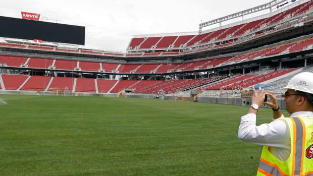 san-francisco-49ers-stadium-turf