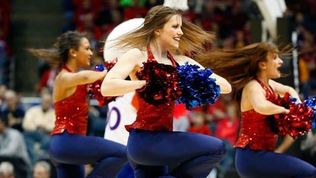 140326180450-american-cheerleaders-1243364012a34898a6f4fc6948482ddd-0-single-image-cut.jpg