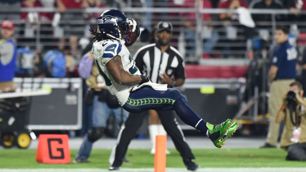 Seattle RB Marshawn Lynch ends TD run with controversial gesture