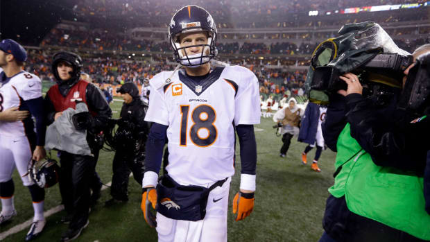 Al Michaels: 'Clearly there are issues with the Denver Broncos' - Image
