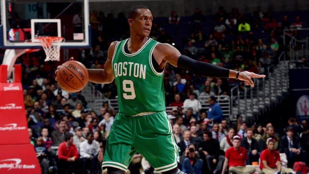Reports: Mavericks acquire Rajon Rondo IMAGE