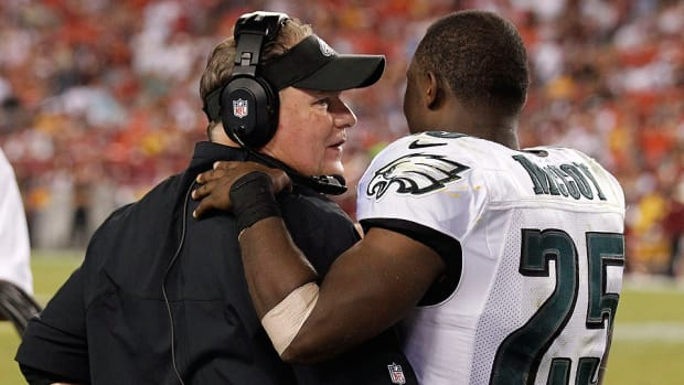 Chip-Kelly-LeSean-McCoy.jpg