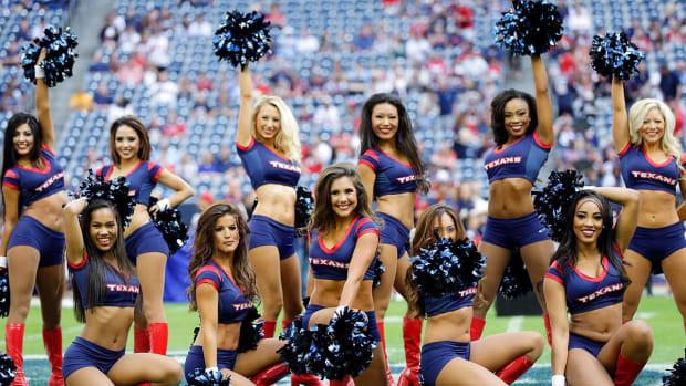 Houston-Texans-cheerleaders-AP881904176253_13.jpg