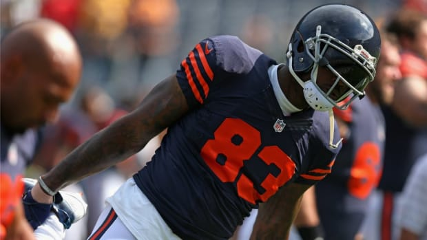 Bears' Martellus Bennet is starting a books for autographs exchange