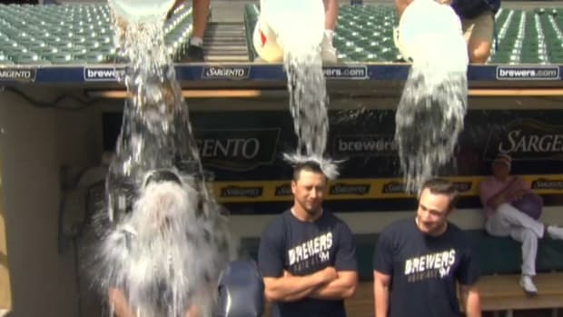 Milwaukee Brewers Carlos Gomez, Kyle Lohse and Jonathan Lucroy take the ice bucket challenge
