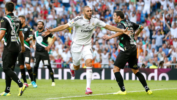 Karim Benzema celebration real madrid cordoba