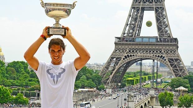 rafael-nadal-trophy-2.jpg