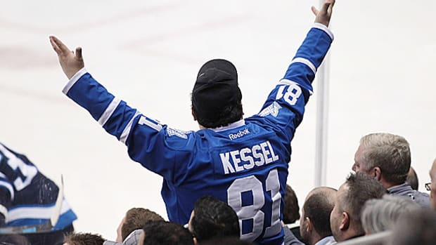 toronto-maple-leafs-fan.jpg