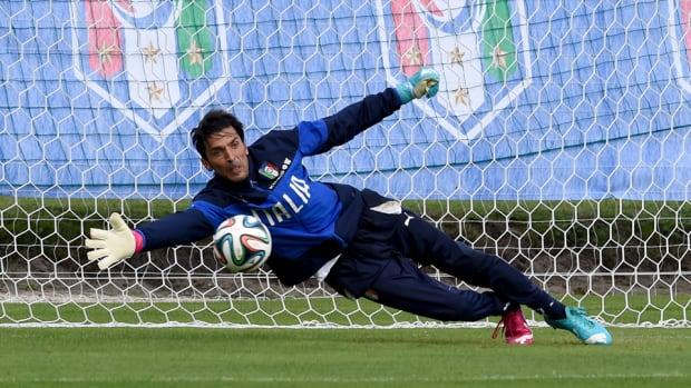 Gianluigi Buffon Hurt