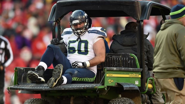Seahawks C Max Unger out 3-4 weeks IMAGE
