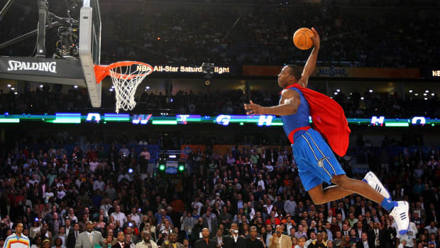 Dwight Howard explains how the Superman outfit that he wore in the NBA dunk contest came about