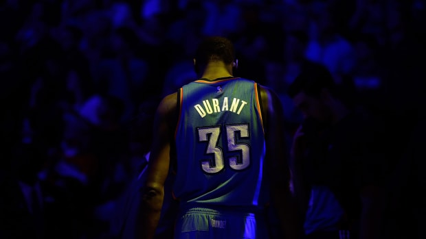 Report: Kevin Durant out for Christmas game vs. Spurs - image