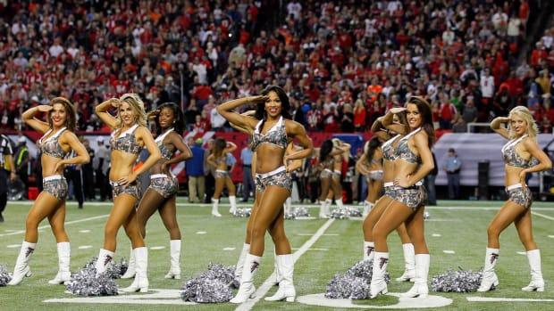 Atlanta-Falcons-cheerleaders-488141123_1270_Browns_at_Falcons.jpg