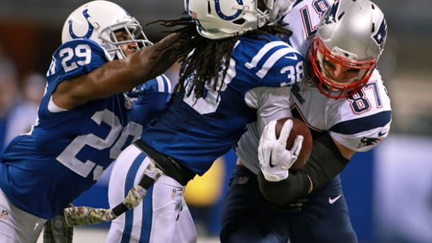 Rob Gronkowski Sergio Brown Indianapolis Colts New England Patriots 2014