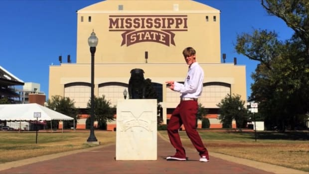 """Mississippi State fan makes """"All About That State"""" parody song"""