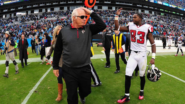 Will poor clock management cost Mike Smith his job?