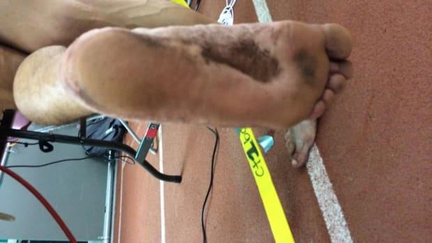 Andrew Snope barefoot runner