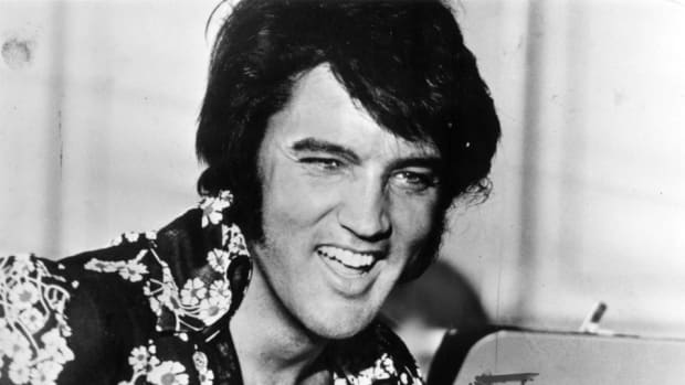 West Virginia President Gordon Gee leaves tickets for Elvis