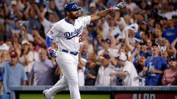 Report: Dodgers, Padres complete Matt Kemp trade despite health concerns IMAGE