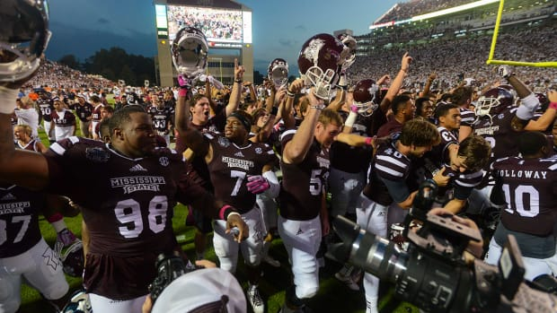 mississippi state tops AP poll