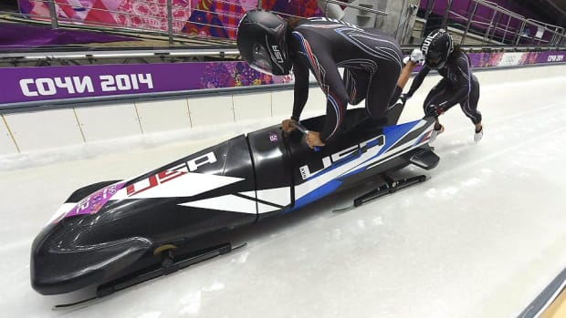 lauryn-williams-elana-meyers-bobsled-start-sochi-olympics-02182014.jpg