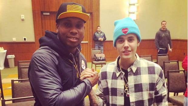 Steeler fans blame Justin Bieber for loss to Jets