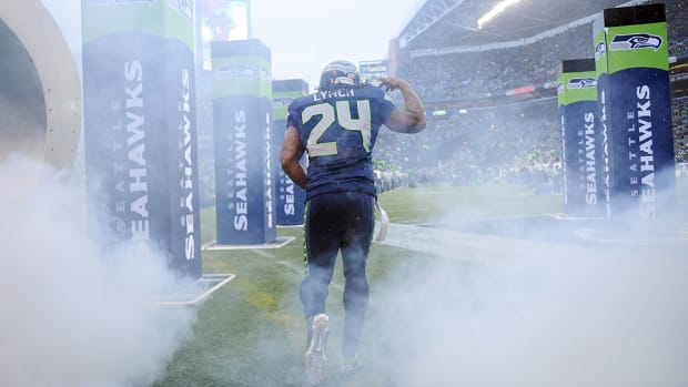 marshawn-lynch-ends-holdout-seattle-seahawks-camp