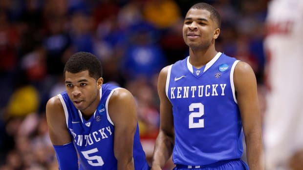 College Basketball Top 25: #1 Kentucky Wildcats image