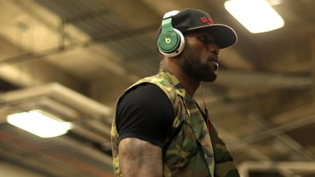 LeBron James sings Mary J Blige