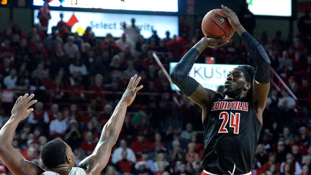 Louisville's Montrezl Harrell reportedly throws punch, ejected - image
