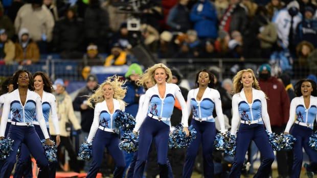 Tennessee-Titans-cheerleaders-AP972161539775_2.jpg