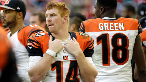 Andy Dalton wins despite throwing up 20 times before game
