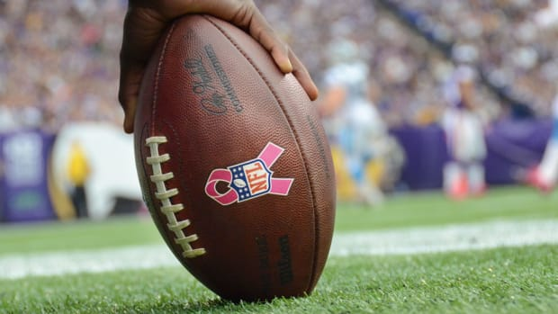 nfl breast cancer awareness campaign
