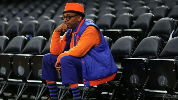Phil Jackson says Spike Lee knows nothing about basketball