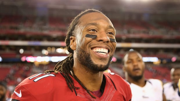 Cardinals have no plans to cut Larry Fitzgerald