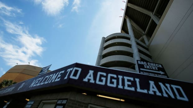 kyle-field-exterior