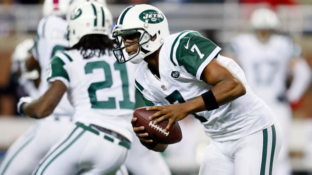 Geno Smith replaces Michael Vick in Jets loss IMAGE