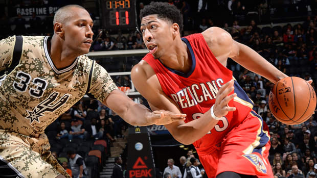 Anthony Davis Pelicans Spurs 960